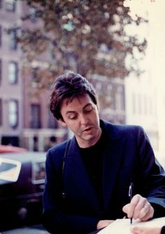 Paul McCartney signing autograph, New York City, 1979