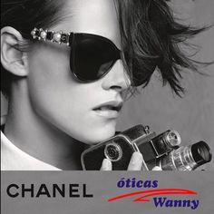 Kristen Stewart se transformou em fotógrafa para a nova campanha de óculos da Chanel, fotografada por Karl Lagerfeld #KristenStewart #oculos #Chanel #wanny #lojaoficialChanel #oticaswanny