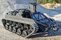 Looking to build the baddest apocalypse vehicle on the planet, the team at Howe and Howe Technologies developed the Ripsaw EV2.