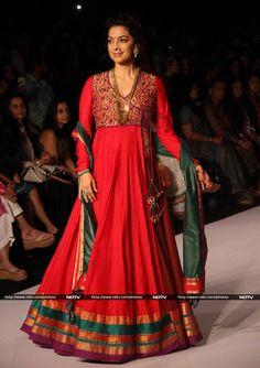 kaath-padar saree put to good use :)