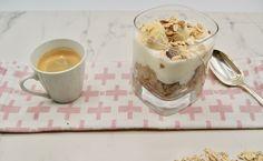 Overnight porridge au café Overnight Porridge, Pudding, Desserts, Food, Banana, Meal, Custard Pudding, Deserts, Essen