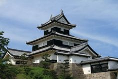 Komine Castle is a Japanese castle located in the city of Shirakawa, southern Fukushima Prefecture, Japan. (小峰城)