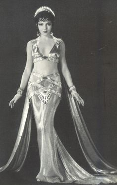 Claudette Colbert como Cleopatra (via Cinema Classico no Facebook)