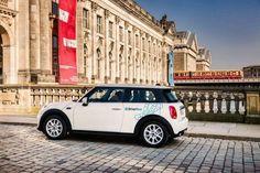 BMW Group και Daimler AG μαζί στην παροχή υπηρεσιών μετακίνησης: Ενώνουν τις δυνάμεις τους το BMW Group και η Daimler AG για να δώσουν στο…