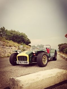 On the road from Gordes to Lacoste in Provence, South of France, summer Caterham Super 7, Caterham Seven, My Dream Car, Dream Cars, Lotus 7, Scrap Car, Push Bikes, Car Museum, Street Tracker