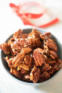 These aren't your typical candied pecans, these Spicy candied pecans have a kick that makes them downright irresistible! Spicy Candied Pecans Recipe, Spiced Pecans, Roasted Pecans, New Years Appetizers, Crunch Recipe, Salad Topping, Pecan Recipes, Pumpkin Chocolate Chips