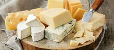 Yes, you can eat cheese on a keto or low-carb diet. But which cheese can you eat? We reveal the 14 best cheese for a low-carb diet. Cheese List, Best Cheese, National Cheese Lovers Day, Source De Calcium, Cooking Classes Nyc, Aged Cheese, Fruit Compote, Types Of Cheese, Queso Fresco