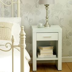 Venetian White 1 Drawer Nightstand