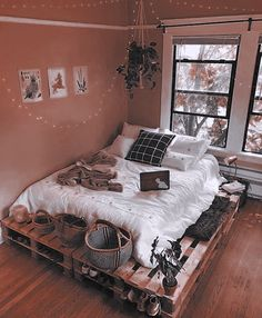 imagem descoberto por taeke. Descubra (e salve!) suas próprias imagens e vídeos no We Heart It Room Ideas Bedroom, Small Room Bedroom, Cozy Bedroom, Small Rooms, Modern Bedroom, Bedroom Designs, Dorm Room, Bedroom Styles, Master Bedroom