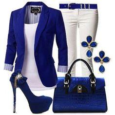 Abbinare la borsa blu - Outfit nei toni del blu