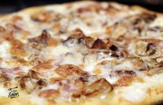 Pizza Carbonara, Salsa Carbonara, Calzone, Beignets, Empanadas, Hawaiian Pizza, Pizza Recipes, Crepes, Pie