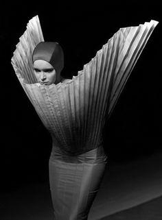Sculptural Fashion - pleated dress with 3D silhouette; futuristic fashion; wearable art // Kamila Gawronska Kasperska