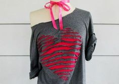 30 Tremendous T-Shirt DIY Makeovers It's best to attempt now - Refashion Old T Shirts, Cut Shirts, T Shirt Redesign, Off The Shoulder Tee, Diy Kleidung, Diy Vetement, Refashioning, Heart Shirt, Fashion Project