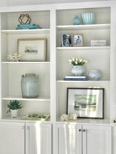 Trendy home office design bookcases fireplaces ideas Styling Bookshelves, Decorating Bookshelves, How To Decorate Bookshelves, Bookshelf Design, Bookcases, Home Living Room, Living Room Decor, Built In Shelves Living Room, Bedroom Bookshelf