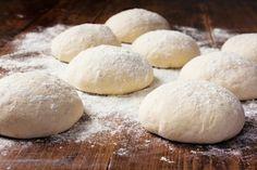 The secret recipe for the best homemade pizza dough – Recipes – Ma Fourchette Pizza Sandwich, Pizza Sans Gluten, Gluten Free Pizza, Perfect Pizza Dough Recipe, Beer Pizza Dough Recipe, Freeze Pizza Dough, Best Pizza Dough, Best Homemade Pizza, Recipes