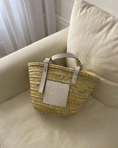 "Filippa Hägg on Instagram: ""Baby basket"" Dress Drawing Easy, Everything Designer, Jacquemus Bag, Parisian Chic Style, Style Challenge, Fashion Challenge, Baby Baskets, Cute Handbags, Basket Bag"