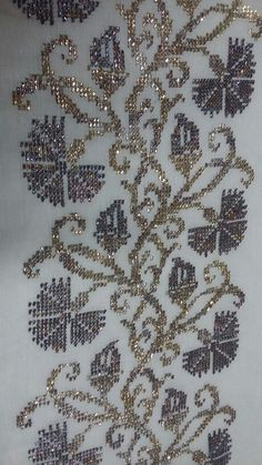 This Pin was discovered by Sey Tambour Embroidery, Embroidery Needles, Embroidery Art, Cross Stitch Embroidery, Embroidery Patterns, Cross Stitch Borders, Cross Stitch Flowers, Counted Cross Stitch Patterns, Weaving Patterns