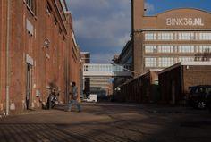 BINCKHORST / BINK36: Van jaren '30 KPN-werkplaats naar bedrijfsverzamelgebouw voor +300 startende, creatieve en innovatieve bedrijven. Minimaal gerenoveerd. Eigenaar is woningcorporatie Vestia. Adres: Binckhorstlaan 36