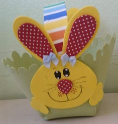 Kids Crafts, Map Crafts, Easter Crafts, Arts And Crafts, Easter Hunt, Black Construction Paper, Paper Gift Bags, Ideas Para Fiestas, Easter Baskets