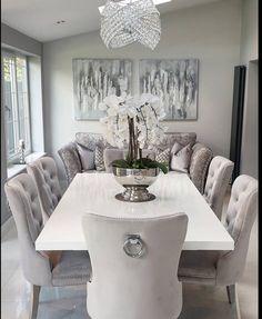 Dining Room Table Decor, Decor Home Living Room, Elegant Dining Room, Solid Wood Dining Table, Home Decor Furniture, Diy Rangement, Dinner Room, Family Room Decorating, Dining Room Inspiration