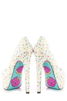 Taylor Says Women's Glazed Heels  This pattern would be SO cool to make in some plain white sneakers and sharpies