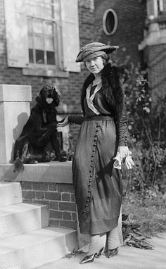 "mid-centurylove: "" Lady with dog c. Edwardian Era, Edwardian Fashion, Vintage Fashion, Edwardian Clothing, Medieval Fashion, Vintage Photographs, Vintage Photos, Grease Costumes, Teen Costumes"
