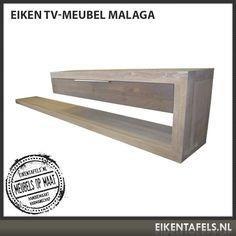 Zwevend tv meubel mooi met vierkante eiken eetkamertafel en salontafel.