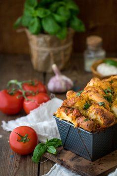 Faltenbrot mit Mozzarella und Tomate ein tolles Partyrezept
