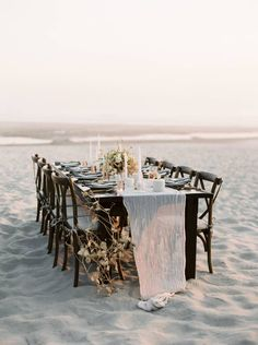 Simple & elegant Oregon Beach Elopement ideas via Magnolia Rouge