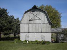 I want an acreage with an old barn