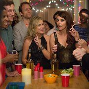 Still of Tina Fey and Amy Poehler in Sisters (2015)
