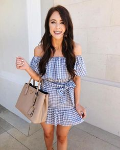 11 date night outfit ideas to stand out from the crowd date outfits women/ date Movie Date Outfits, Winter Date Outfits, Cute Date Outfits, First Date Outfits, Date Outfit Casual, Night Outfits, Winter Dresses, Spring Outfits, Outfit Summer