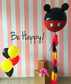 Mickey Mouse big ballons Fiesta Mickey Mouse, Baby Mickey Mouse, Minnie Mouse Party, Jumbo Balloons, Giant Balloons, Mickey Party, Mickey Mouse Birthday, Balloon Arrangements, Balloon Decorations