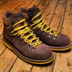 Danner Boots - Mountain Light Overton | Bota y Botita | Pinterest