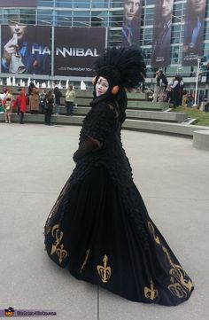 Queen Amidala Costume. This girl deserves an award. Hand sewing this must have taken so much persistence.