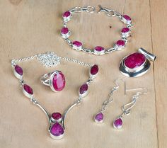 #Wholesale #Retail #Beautifully #Handmade #Faceted #Red #Ruby Gemstone #Jewelry #Set for Women,by Brillante Jewelry Made from 92.5 sterling Silver #Faceted #Red #Ruby Gemstone #Jewelry #Set. And by using Natural Gemtones..Pick this #Jewelry #Set to add new definition to your Personality.About the Brand-Associated with Glamour,style and class,Brillante–Jewelry fashion jewelry appeals to,women across all age-groups.