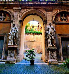 Jewish Quarter Courtyard. Hidden gems in Rome