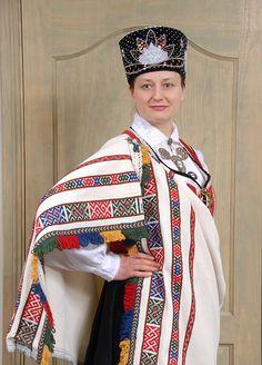 Krotes tautas tērps