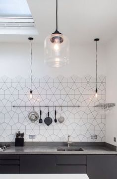 Cool 45 Eye-Catching Hexagon Tiles for Upgrade your Kitchen https://homstuff.com/2017/06/11/45-eye-catching-hexagon-tiles-upgrade-kitchen/
