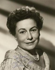 Thelma Ritter - American actress of film and TV known for her strong New York accent. Worked on stage and radio. Hollywood Stars, Hollywood Icons, Hollywood Actor, Golden Age Of Hollywood, Vintage Hollywood, Classic Hollywood, Hollywood Actresses, Classic Movie Stars, Classic Movies