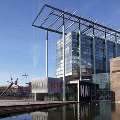 Het Nederlands Architectuurinstituut (NAi) is méér dan een museum. Het is een archief, museum, bibliotheek en cultureel podium ineen. In het NAi worden belangrijke archieven en collecties van Nederlandse architecten van na 1800 bewaard en toegankelijk gemaakt voor het publiek. Als sectorinstituut voorziet het in mogelijkheden voor onderzoek en biedt het een platform voor discussie. Door middel van tentoonstellingen en publicaties wil het NAi zowel het professionele werkveld als het grote…