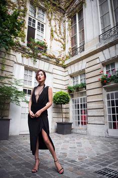 nicole warne in sexy black dress