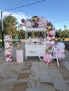 baby shower decorations 531987774732507112 - Baby shower decorations featuring our props and balloons. Candy cart, donut wall, plinth, balloon garland, baby blocks Source by Décoration Baby Shower, Baby Shower Candy, Baby Girl Shower Themes, Girl Baby Shower Decorations, Baby Shower Princess, Baby Shower Balloons, Baby Shower Gender Reveal, Shower Party, Baby Shower Parties