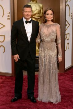 Brad Pitt e Angelina Jolie, o casal 20 de Hollywood. Angie veste Elie Saab