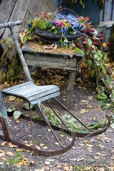 Autumn in the garden - see the lovely pictures and get inspired! Vintage Sled, Garden Structures, Autumn Garden, The Great Outdoors, Beautiful Gardens, Garden Landscaping, Outdoor Gardens, Garden Design, Backyard