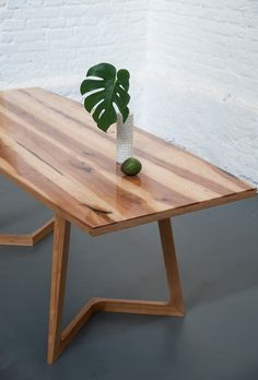 Стол из груши SURFING BOW от Stameska / SURFING BOW dining table by Stameska