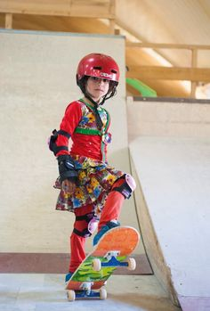 In her remarkable photo series Skate Girls of Kabul, photographer Jessica Fulford-Dobson documents Afghan girls who have enthusiastically taken up the Skate 3, Skate Girl, Skate Board, Les Innocents, Derby, Photo Exhibit, Afghan Girl, Skateboard Girl, Portraits