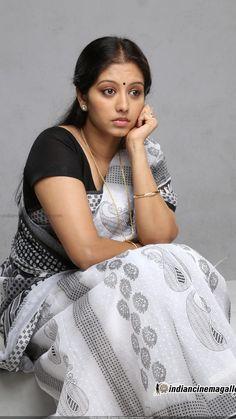 Gopika Hot In Saree - Filmi Tamasha Beautiful Girl Indian, Most Beautiful Indian Actress, Beautiful Girl Image, Beautiful Saree, Beautiful Actresses, Beautiful People, Beautiful Women, Indian Natural Beauty, Indian Beauty Saree