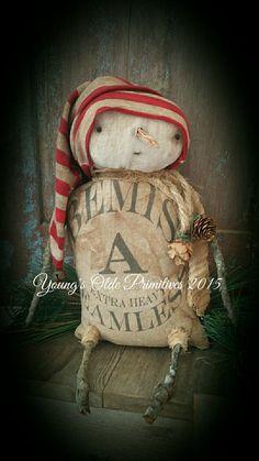Prim snowman More Primitive Christmas Decorating, Prim Christmas, Primitive Snowmen, Christmas Sewing, Primitive Crafts, Christmas Decorations To Make, Christmas Projects, Vintage Christmas, Christmas Ornaments