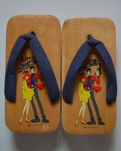 Geta wooden thong sandals, vintage Japanese geta, Lupin the Third manga series by StyledinJapan on Etsy